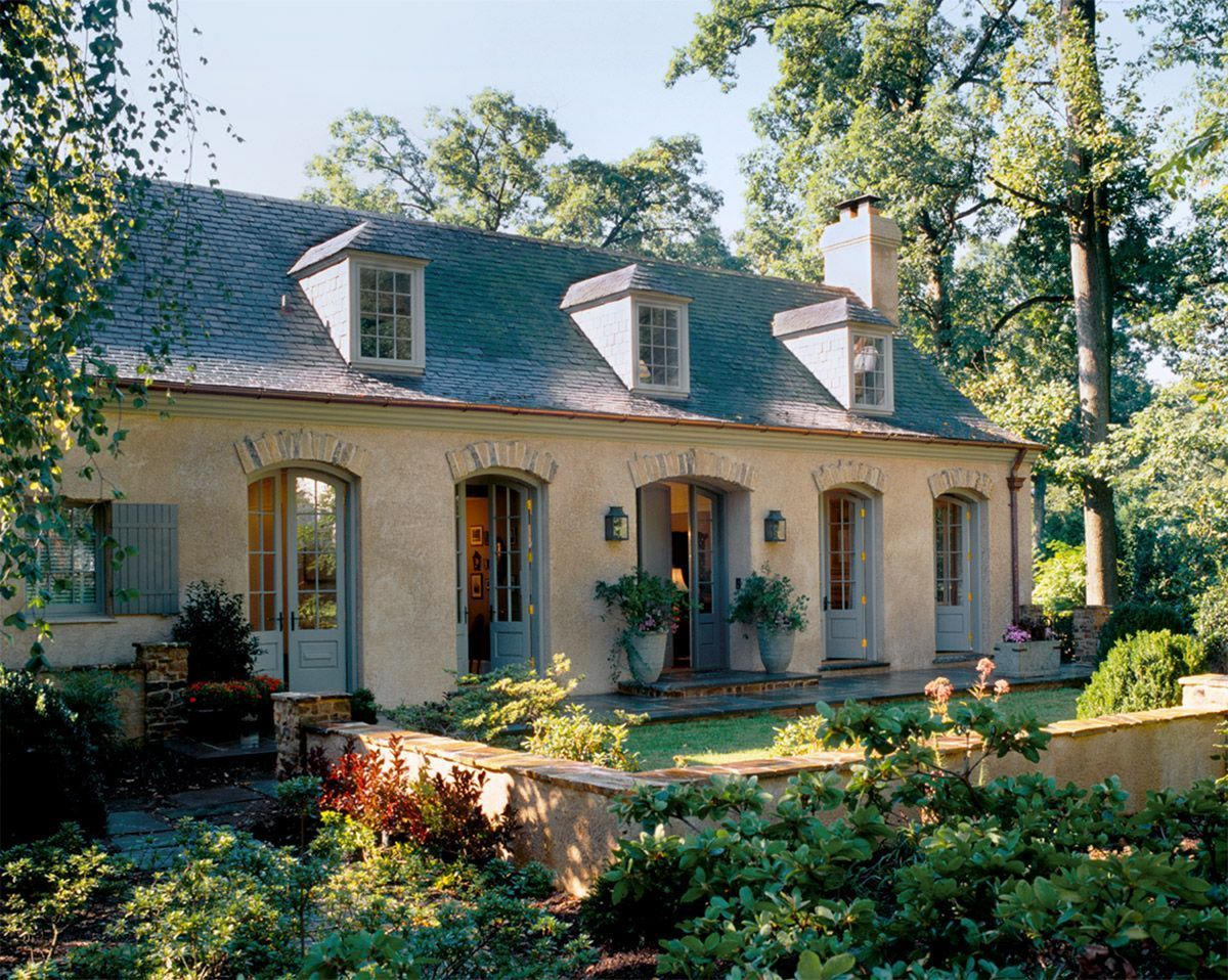 28 Outstanding French Country Home Styles For Inspiration Home Apartment Garden French Country Exterior French House French Style Homes