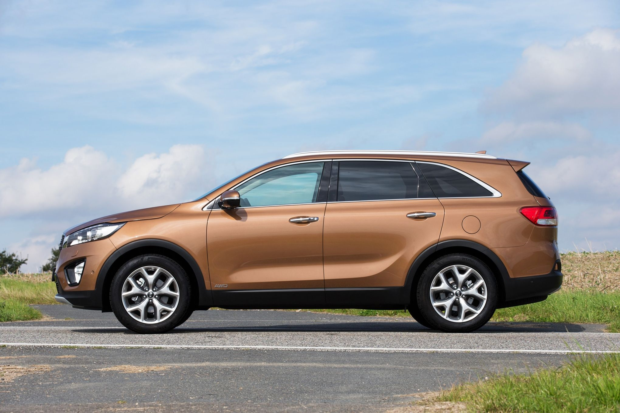 sx in news show more three review price quarter limited motion front kia sorento