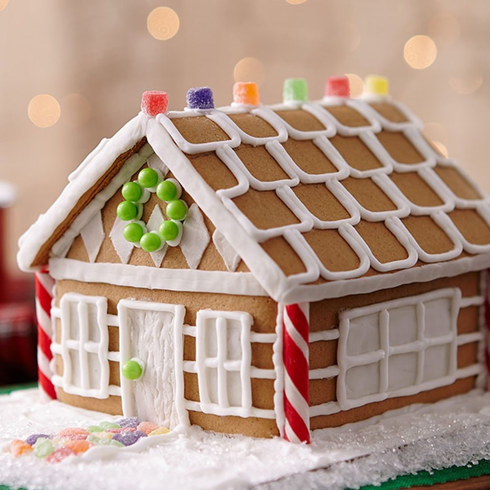 A charming diamond pattern sets this gingerbread house