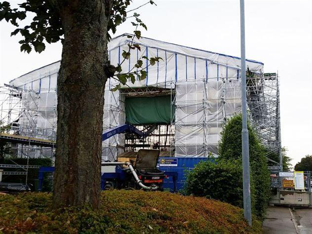 Den Heijlska villan i Varberg skulle renoveras – men nu visar en bild att huset verkar ha försvunnit.