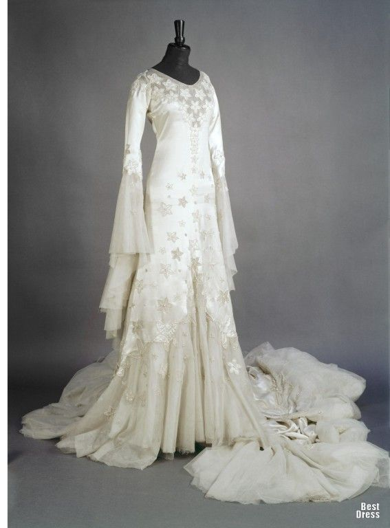 Norman hartnell wedding gown 1933 wedding gowns 1900s for Wedding dresses norman ok