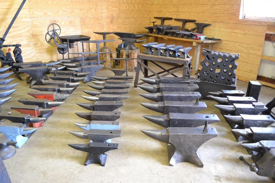 Blacksmith Barn (eBay Matchlessantiques)  https://www.facebook.com/blacksmithbarn.matchlessantiques