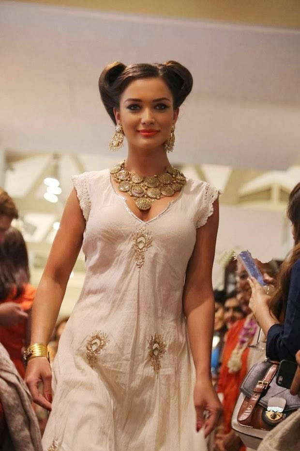 Without dress fashion show in india