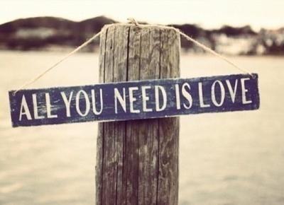Si nada nos salva de la muerte, que al menos el amor nos salve de la vida!
