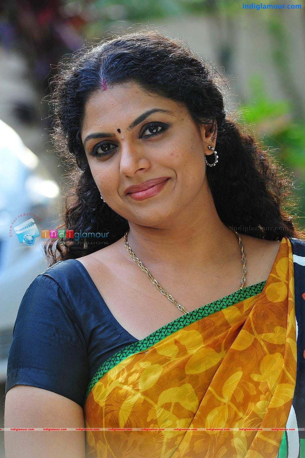 Asha-Sarath  Saree  Beautiful Indian Actress, India -6110