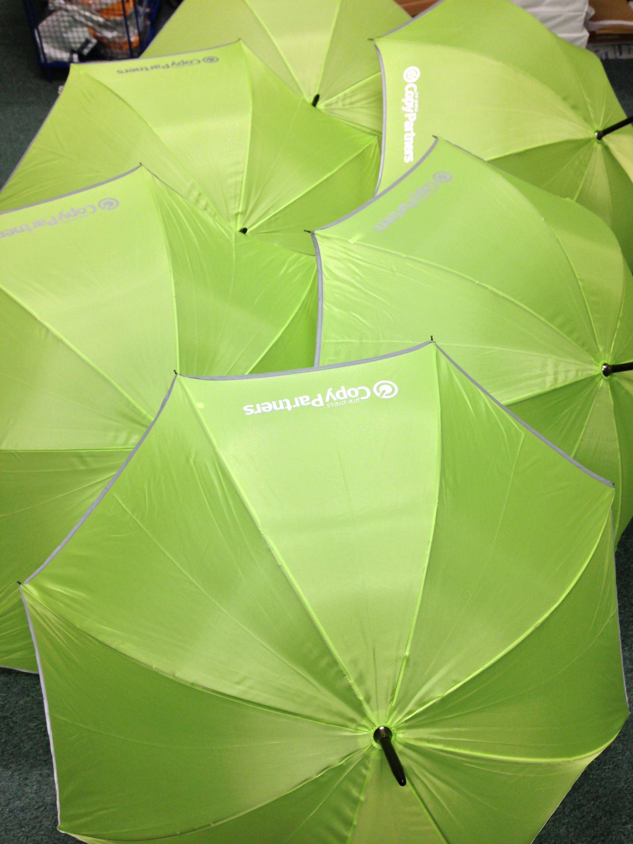 Paraplu's met eigen logo