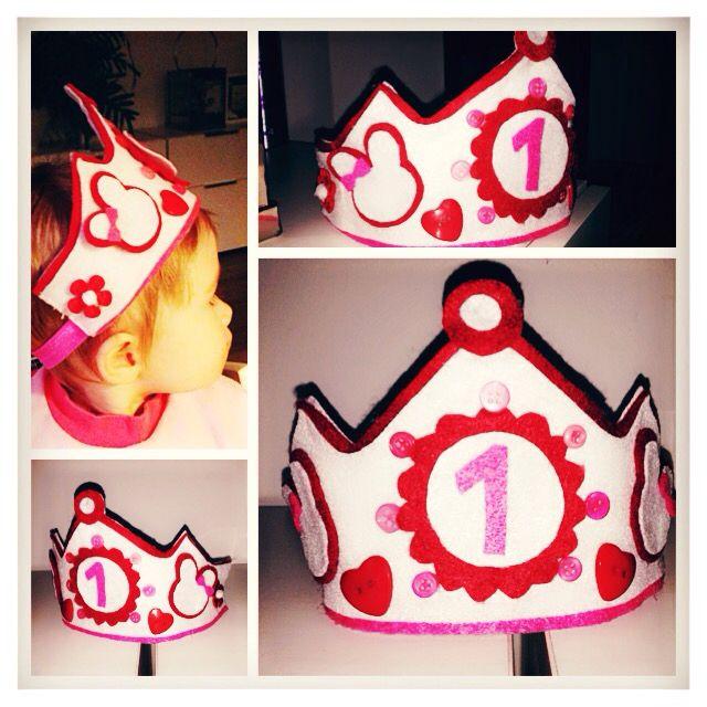 Diy birthday crown!!