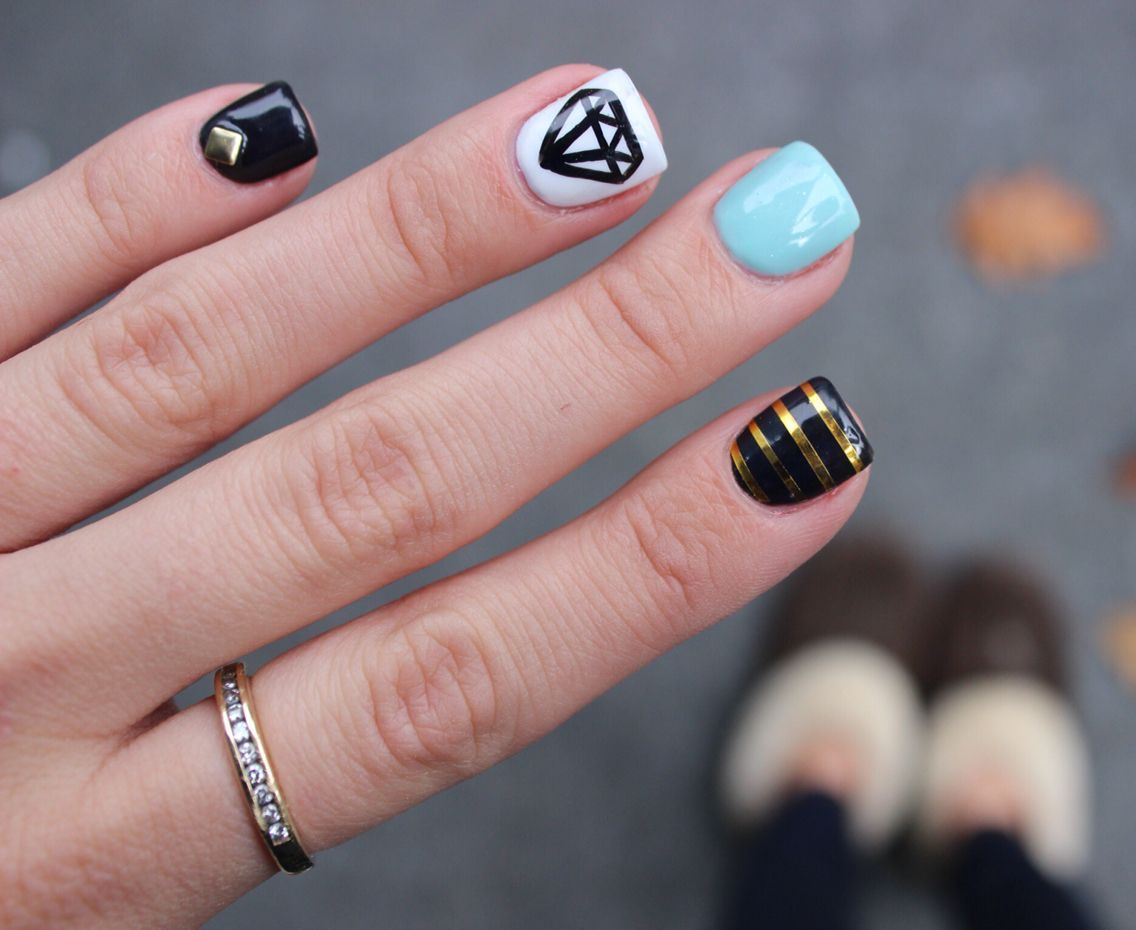 full set w. gold foil strips, hand painted diamond and gold glue ons ...