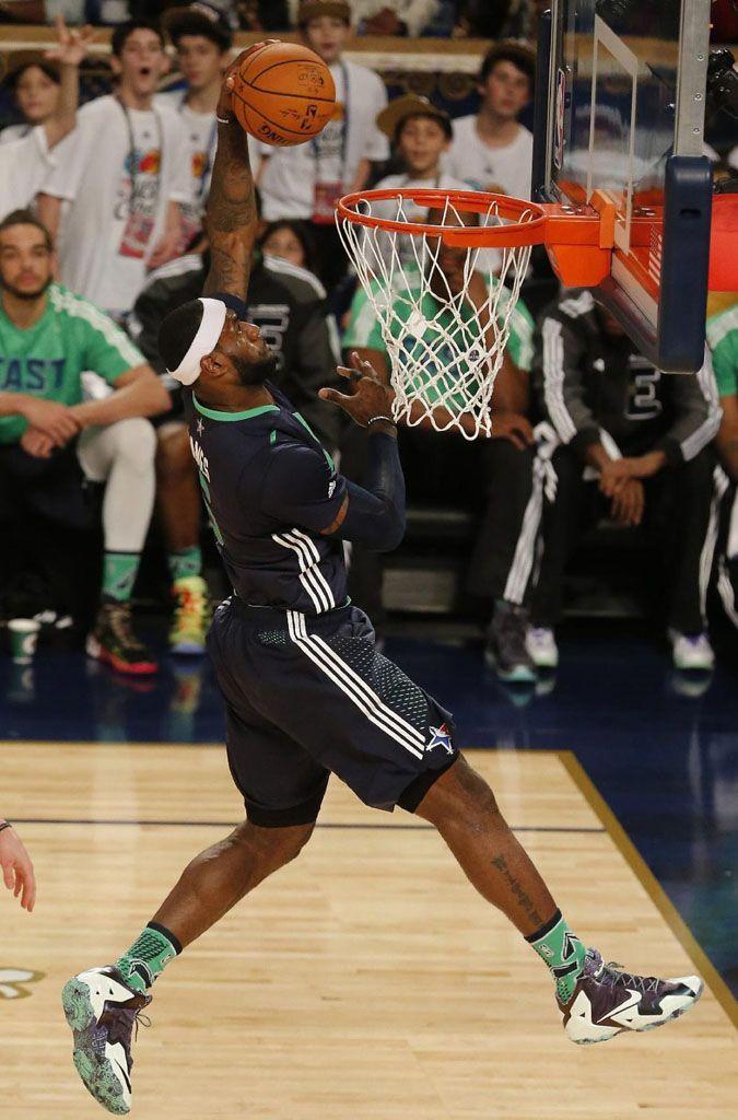 36aab1b2a6f3ad LeBron James wearing Nike LeBron 11 All-Star