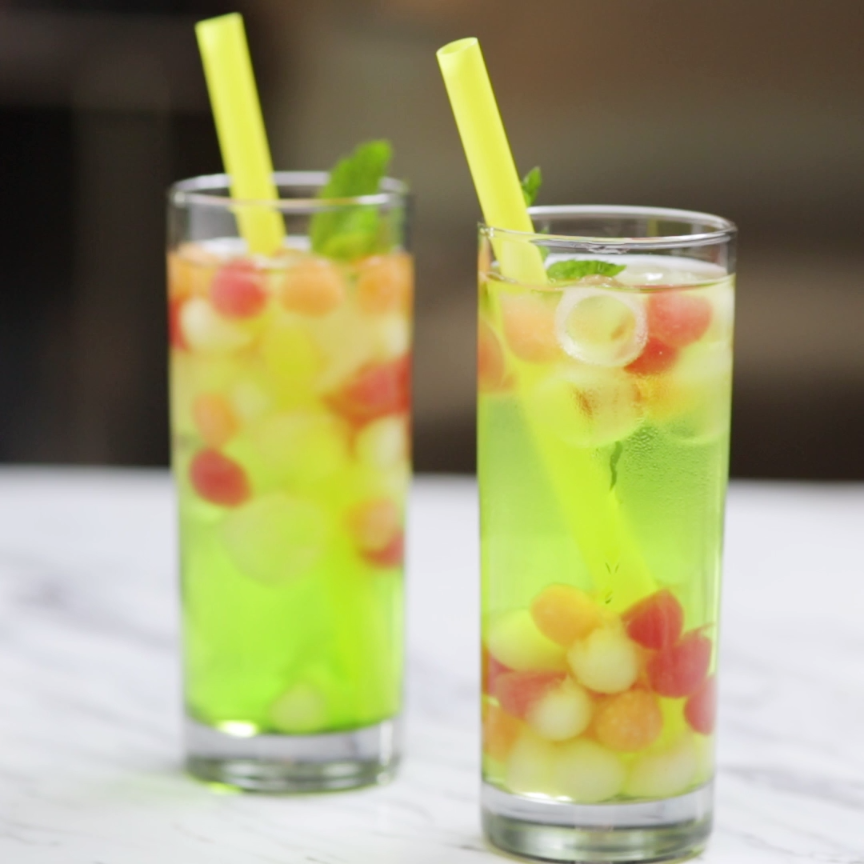 Boozy melon balls cocktail recipe fruity cocktails for Fruity mixed drinks recipes
