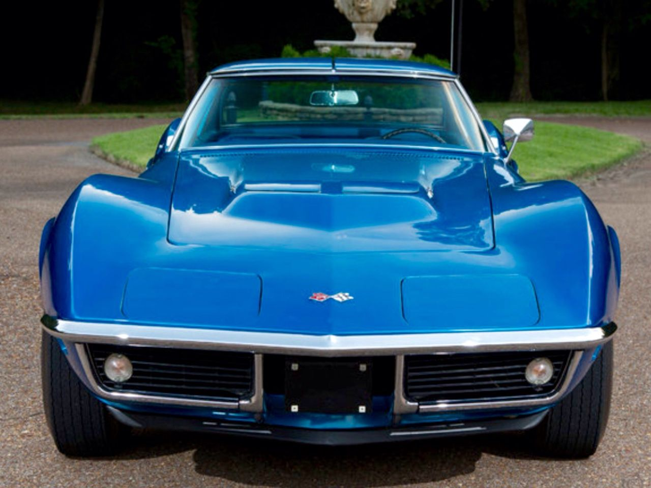 A gorgeous late 60\'s Vette all in blue! | Classic Cars and Engines ...