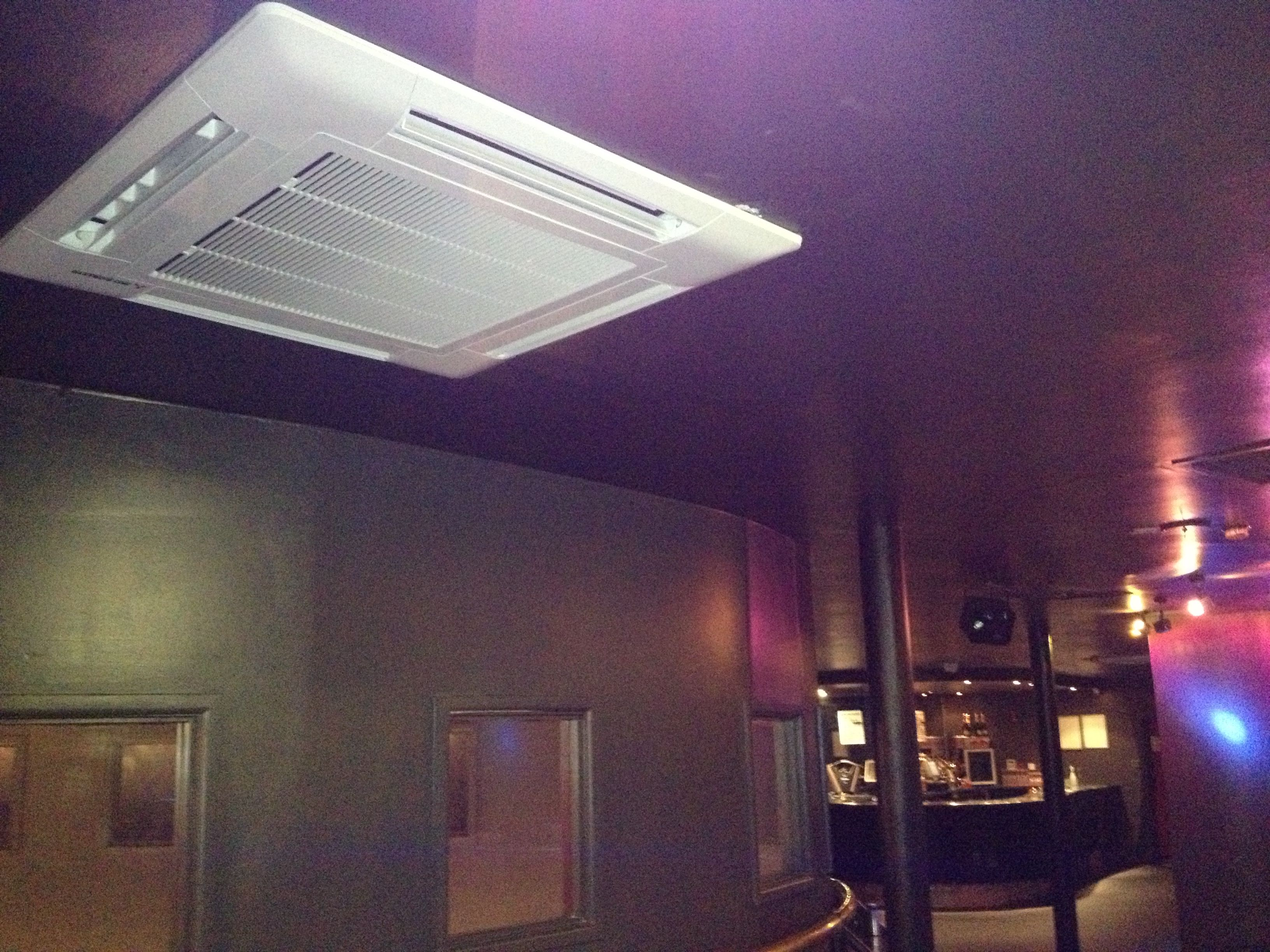 One Of Eight 7kw Mitsubishi Heavy Industries Cassette Units Installed In Nottingham City Centre Night Club