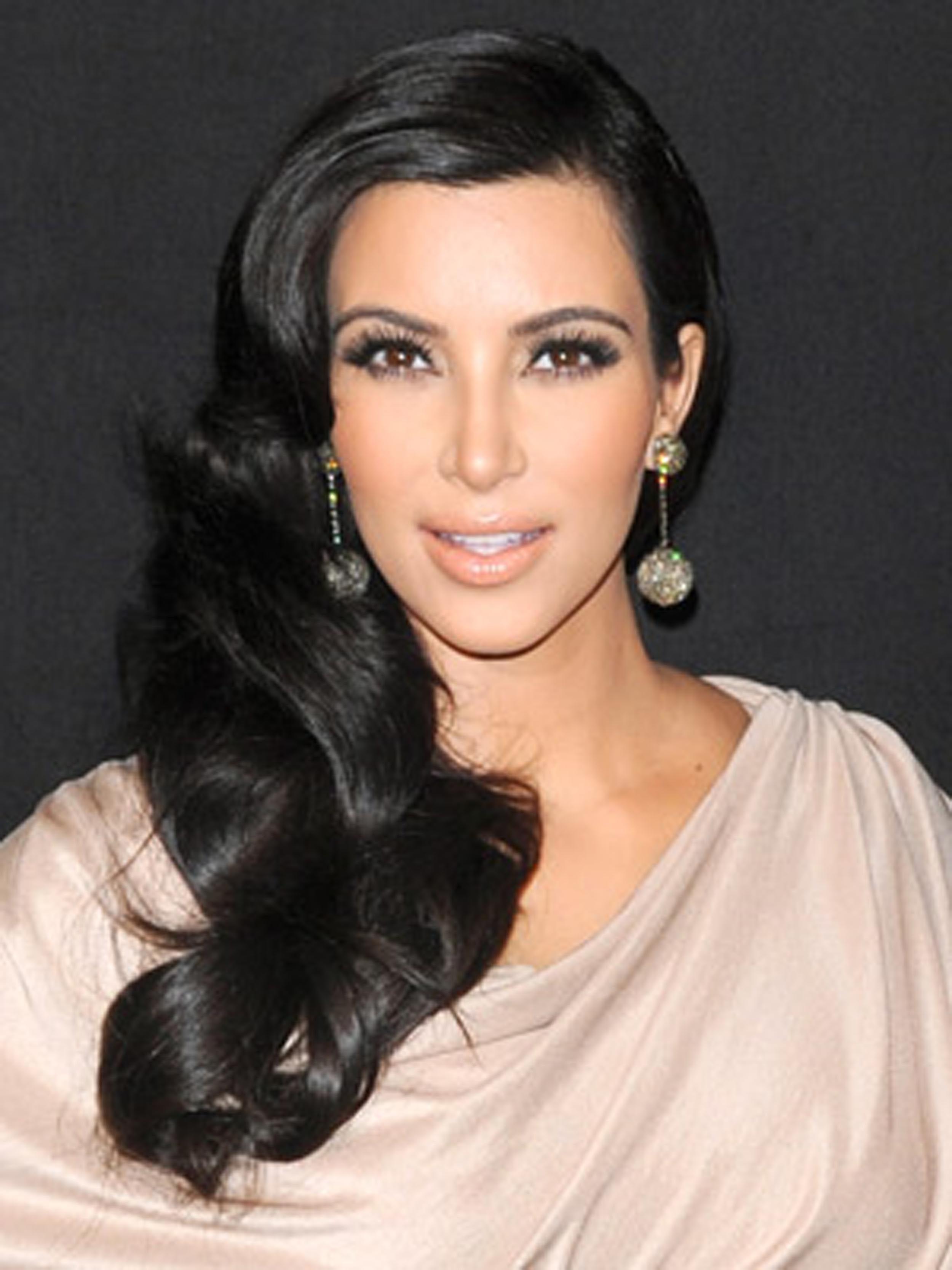 Celebrity Hairstyles: Kim Kardashian Hairstyles