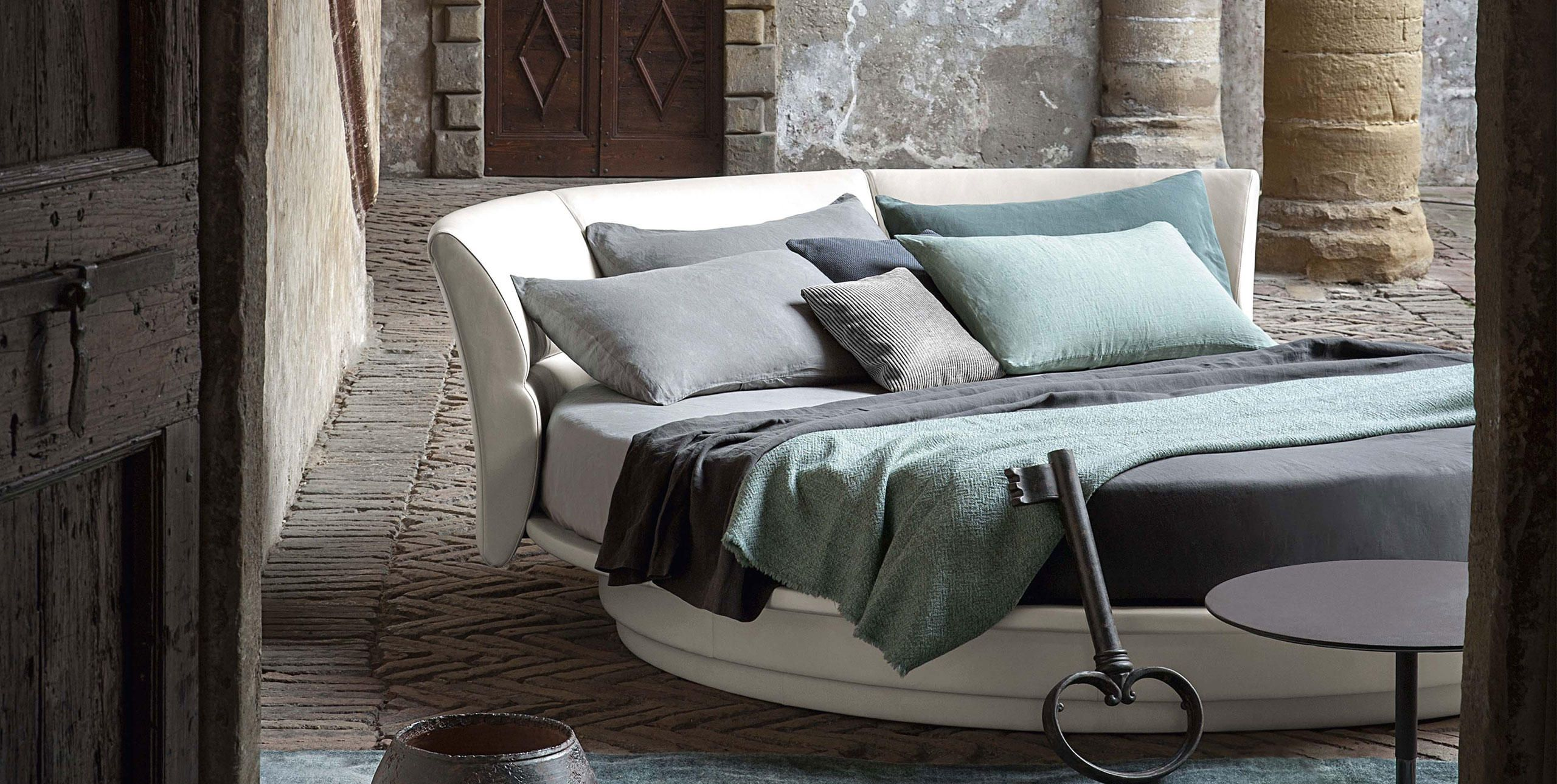 Poltrona Frau | Bretagn bed. | For more inspirations visit: www ...