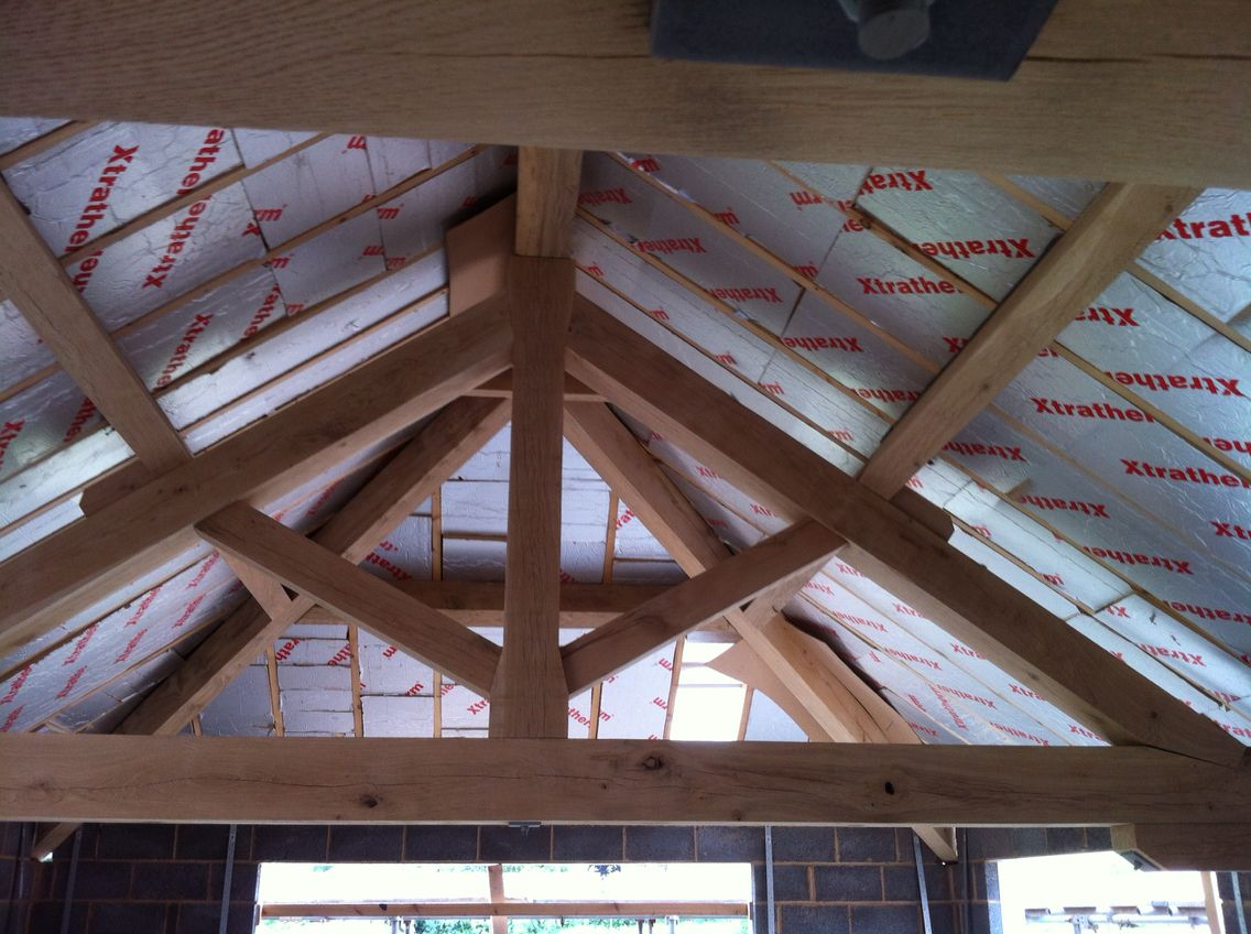 Oak truss roof hip end. By rjheathcote.co.uk