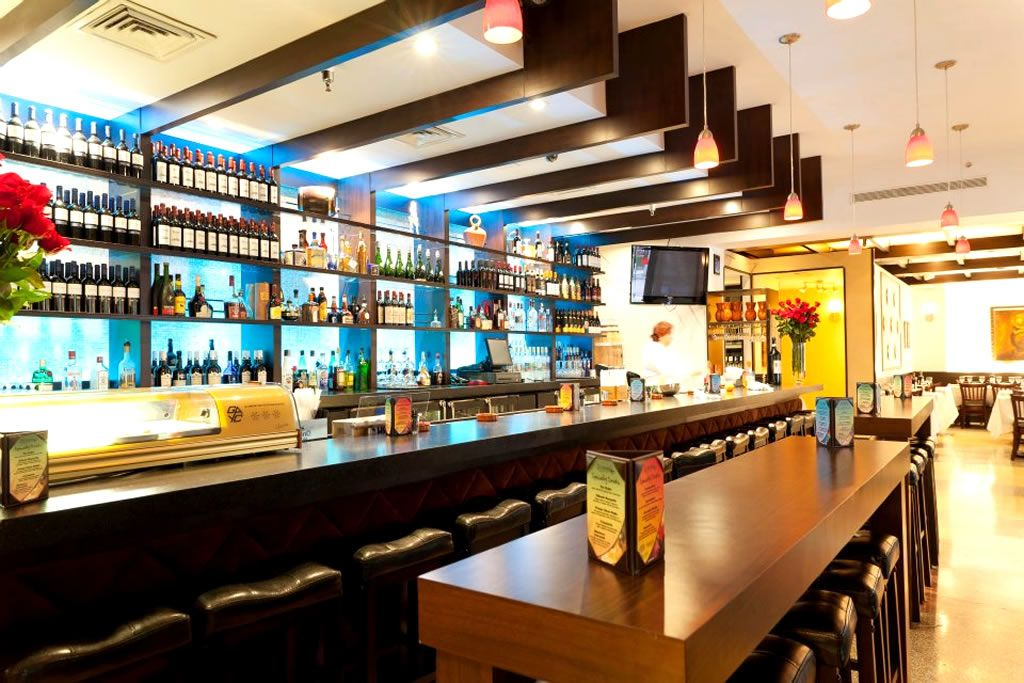 Cafe bar designs ideas google search back of bar pinterest cafe bar and restaurant design - Bar interior design ideas pictures ...