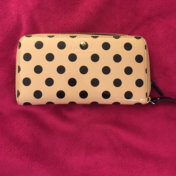 Kate spade wallet Beige and black Kate spade wallet I have had this for a few years well taken care of no signs of damage Bags Wallets