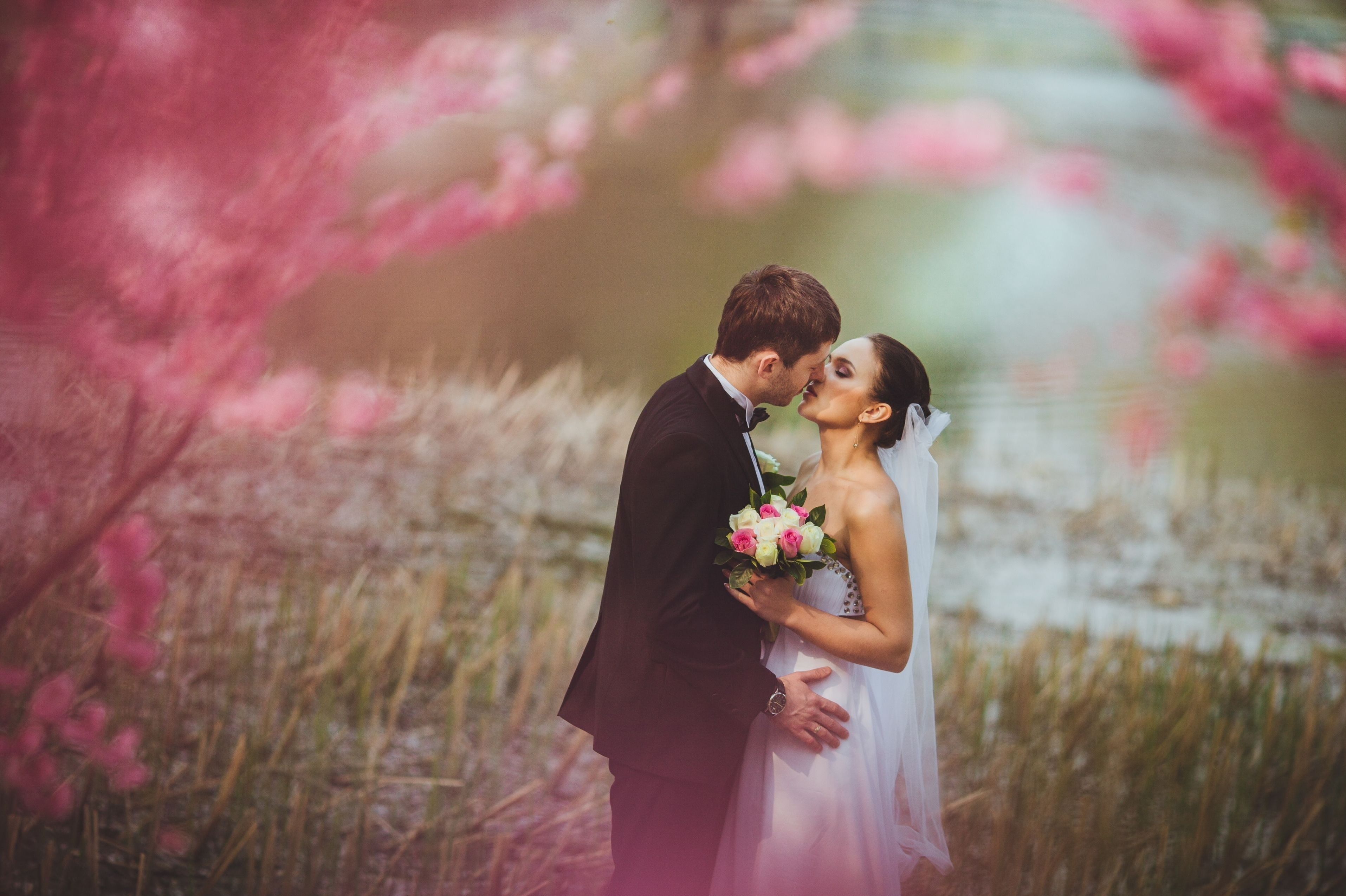 Download Wallpaper Of Love And Kiss Hd New Wallpaper Of Love And
