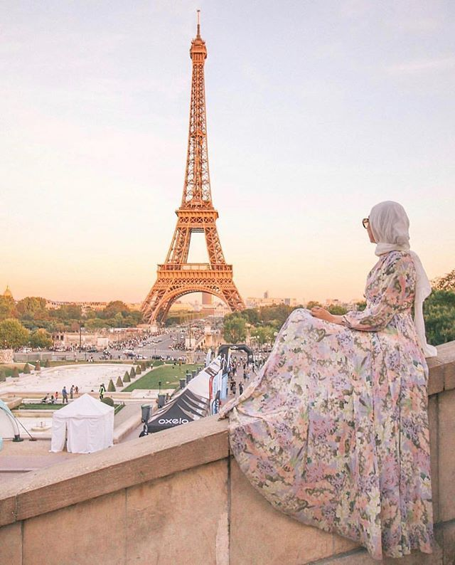For Your Next Trip Inspiration Paris Views We Will Never Get Tired Of Dania Badawi Shop Now At Yumikim Com Hijab Fashion French Girl Style Hijabi Girl