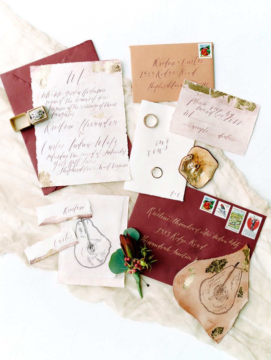 Check Out the Wedding That\'s the Apple of Our Eye | Apple invitation ...