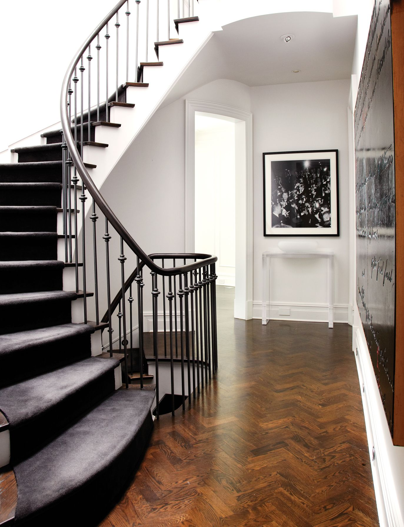 Best 10 Tips To Glamorous Interior Design Staircase Interior 640 x 480