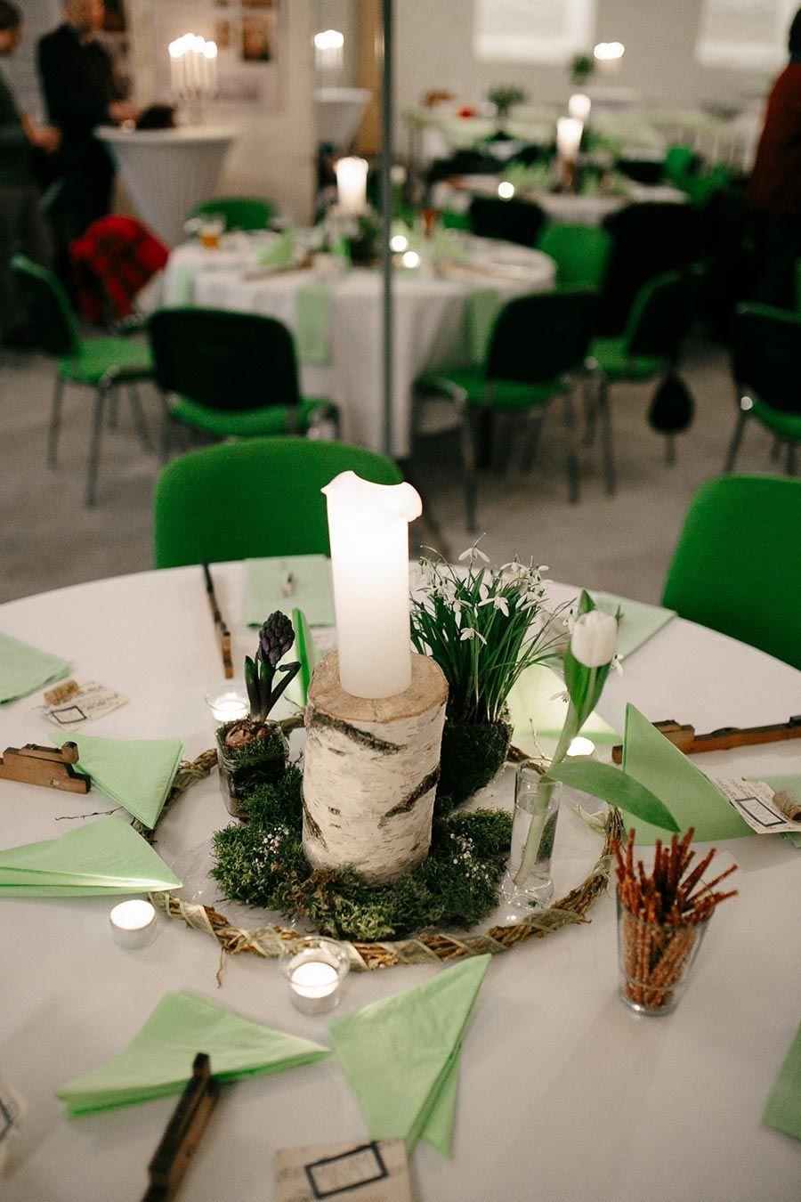 Tischdeko Bei Der Hochzeit Im Naturlook Mit Holzern Und Pflazen In