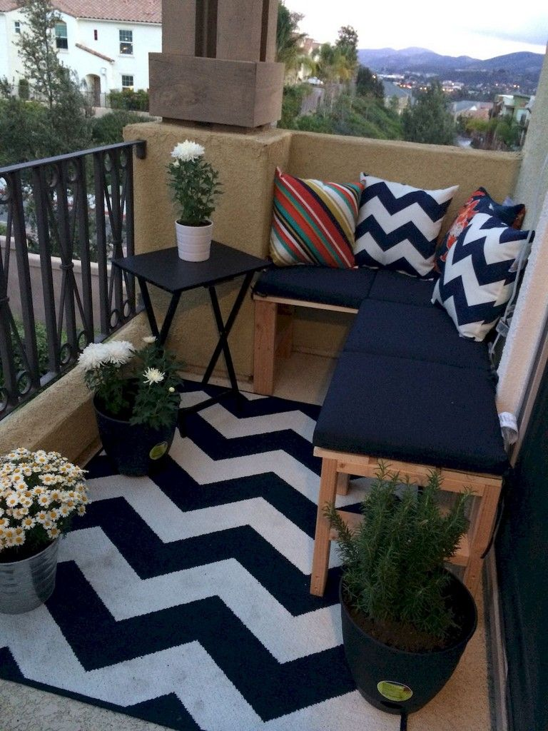 36+ Comfy Apartment Balcony Decorating Ideas on A Budget images