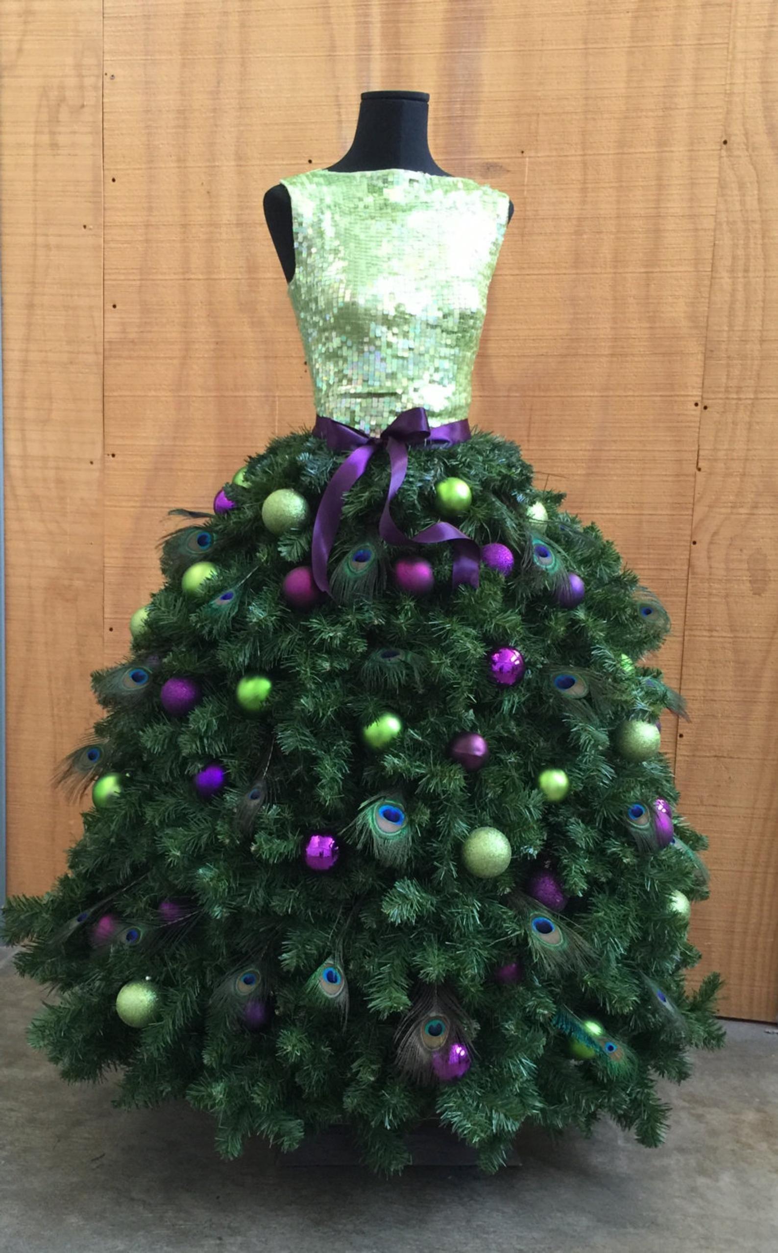 Ebook Tutorial Diy Elegant Fashion Themed Christmas Tree With Etsy Dress Form Christmas Tree Christmas Tree Dress Mannequin Christmas Tree