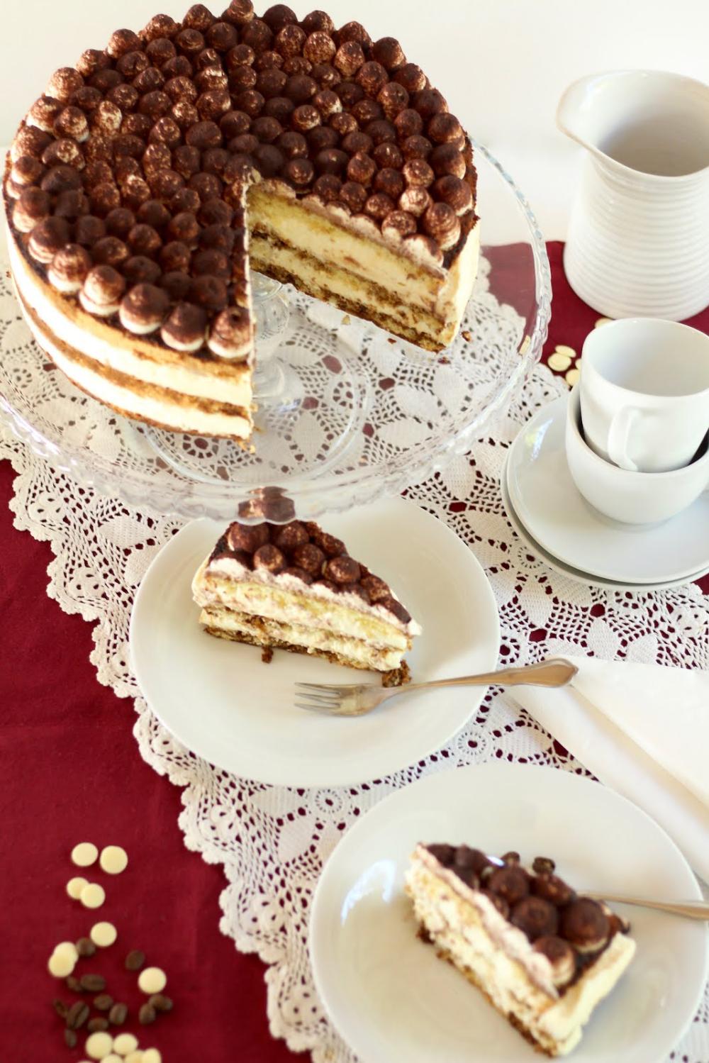 Kaffee-Torte mit weißer Schokosahne   Tiramisu-Torte mit feinem Biskuit   Rezept und Video von Sugarprincess #halloweenappetizerideas