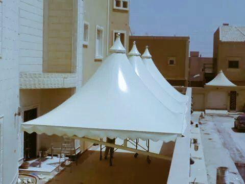 احصل على احدث مظلات وافخم اشكال سواتر ترضى جميع الازواق مقدمة من مؤسسة امل الخير 0500660135 0555963931 Outdoor Decor Patio Umbrella Outdoor Structures