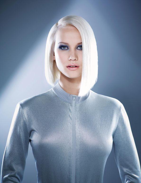 argentic coupe au carr mi longue asym trique blond platine hair micheldervyn ah 2012. Black Bedroom Furniture Sets. Home Design Ideas