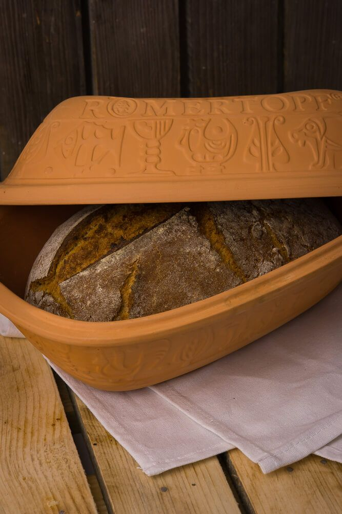 Rezept für Buttermilchbrot im Römertopf gebacken › Ofengeflüster