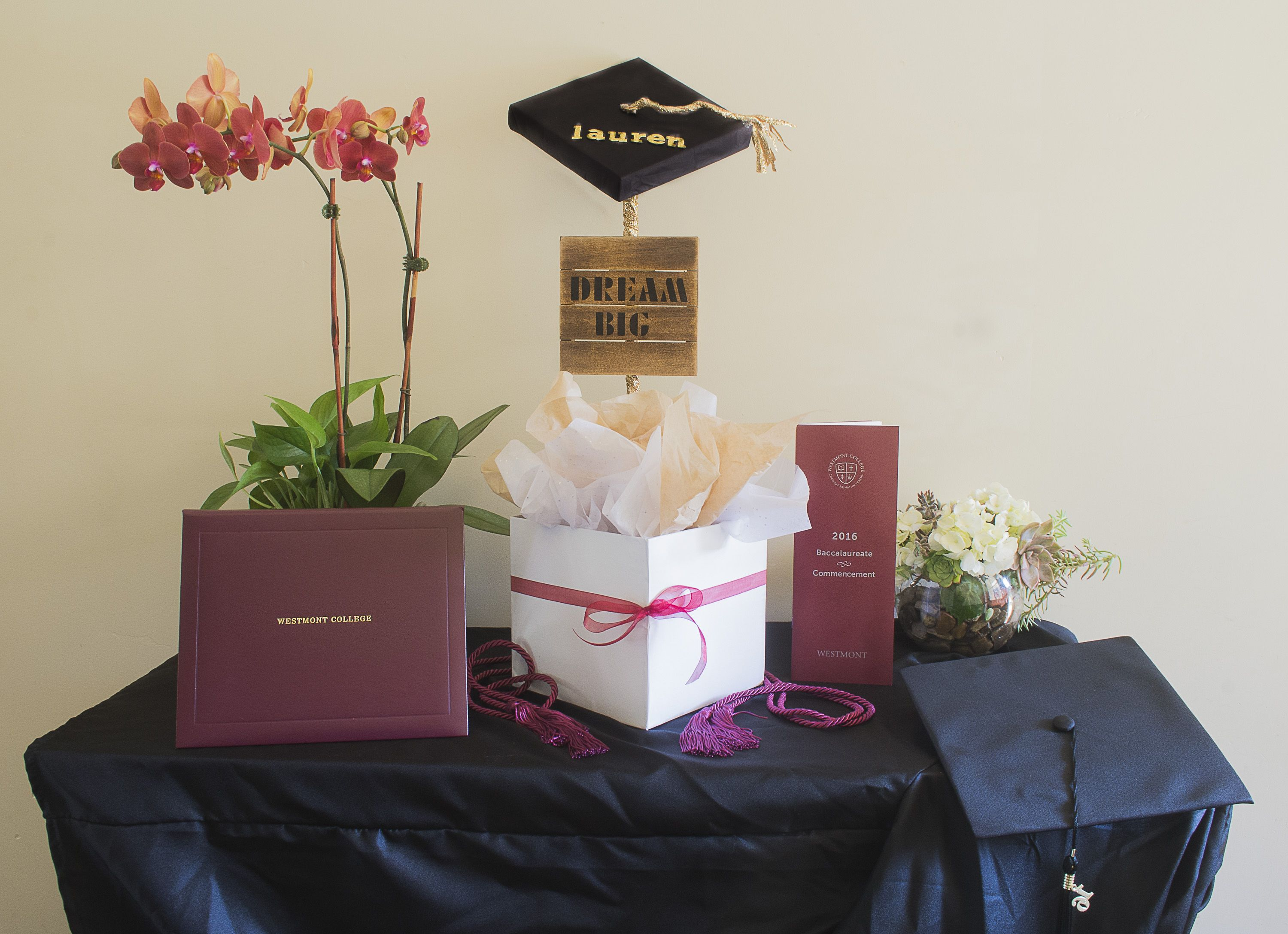 Nice Graduation Gift Wrapping Ideas Part - 12: DIY Graduation Gift Wrapping Idea! Easy And Fun Ways To Create A Cute Gift  Display