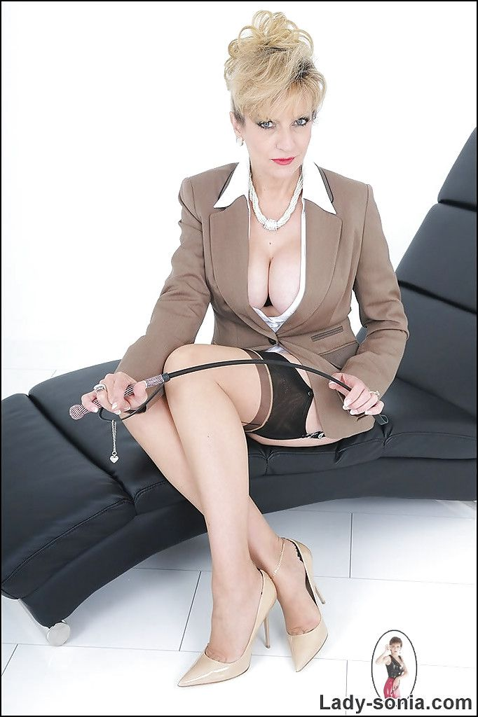 Lady Sonia Lezdom