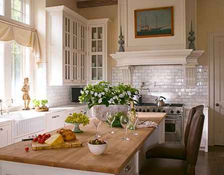 Cabinets And Trim Color Are China White, Walls Are Indian White By Benjamin  Moore (designer Jim Howard, From HB)