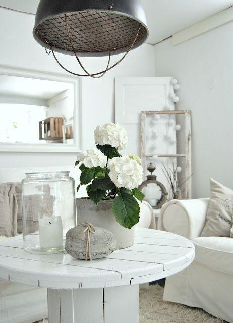 Nicely styled coffee table ideen diy home pinterest wohnzimmer kabelrolle und haus - Minimalistisch dekorieren ...