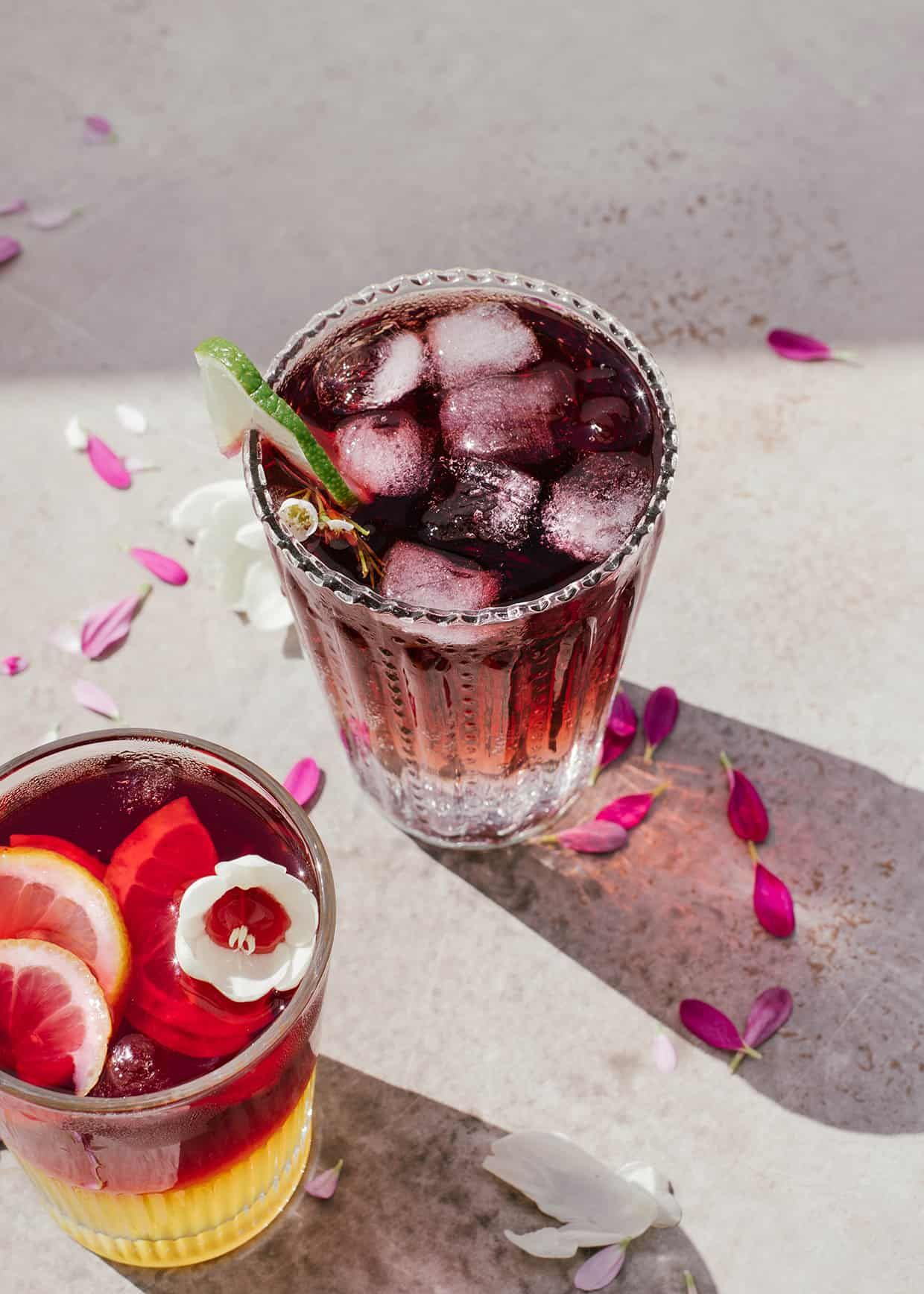 Red Wine Spritzer 3 Ways Recipe In 2020 Red Wine Spritzer Wine Spritzer Easy Drinks To Make