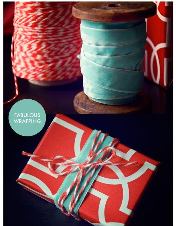 Art christmas wrapping diy - no link, but like this ribbon & string combo