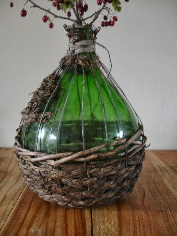 Maison Louise: Oude fles met riet.