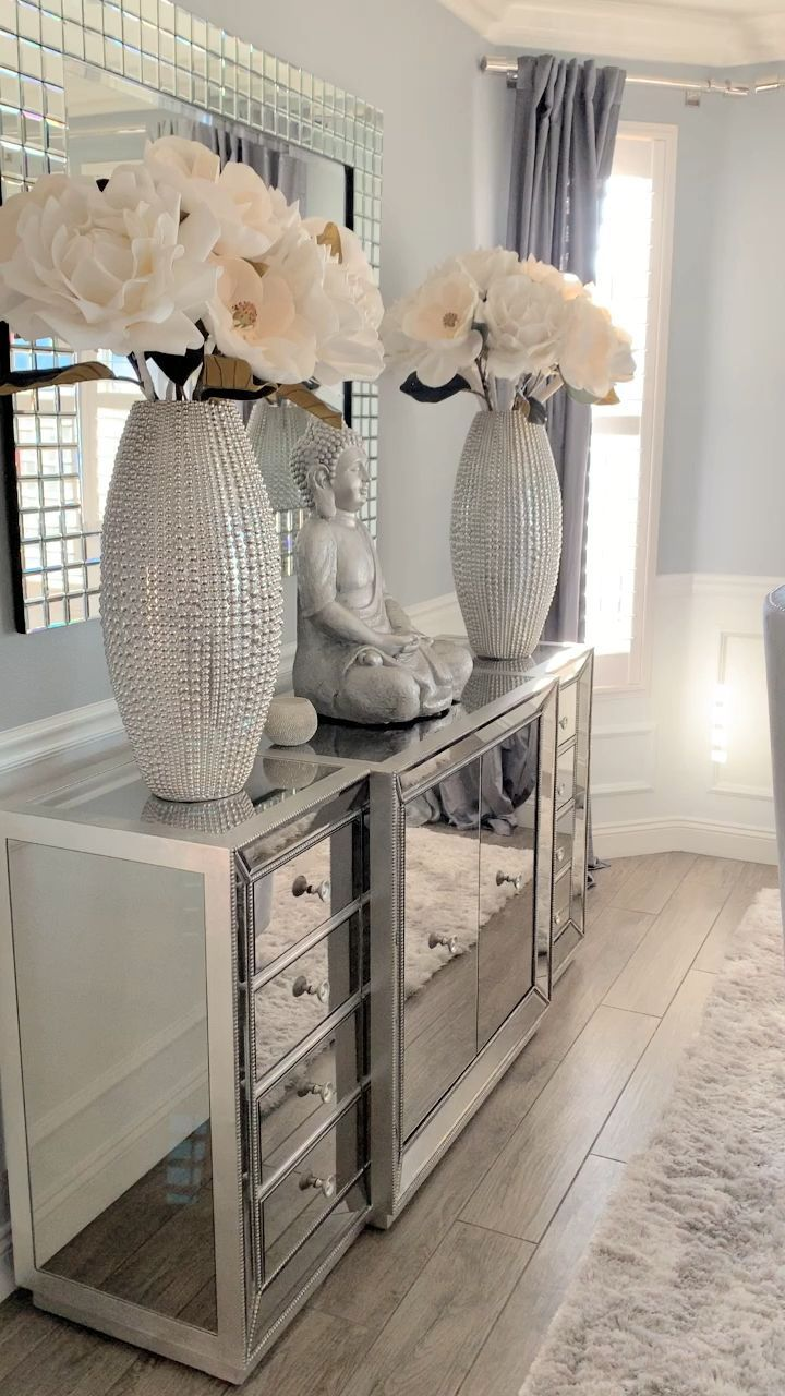✿ ❀ ❁✿Follow @IRIESHOECLOSET #workfromhome #workfromhomejobs #homedecor #home #furniture #decor #decorate #homefurniture #tufted #master #masterbeds #masterbed #queenbeds #queenbeds
