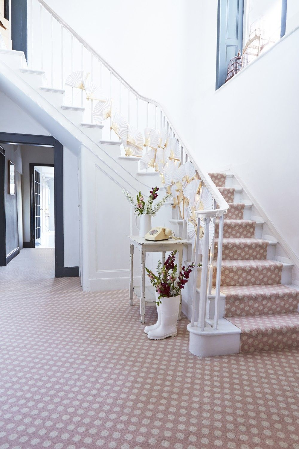 Best 11 Beautiful Staircase Inspired By Polka Dot Design 400 x 300