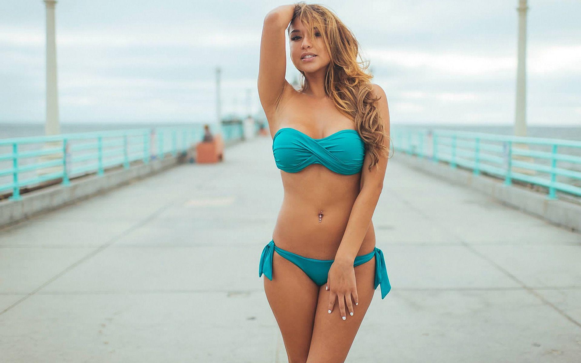 RUSSianBare. com nudist Beautiful Bikini Girl Posing Front of Camera