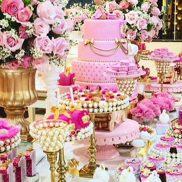 lebaneseweddings #lebaneseweddings  We can't help not to share this beautiful tablescape design! Sweet and feminine  #lebaneseweddings #arabwedding #instagram  #fairytalewedding #lebaneseweddings #realweddings #royalwedding #luxuryweddings #royalweddingoals
