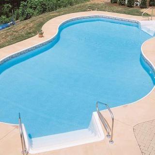 Free-Form Vinyl Swimming Pool