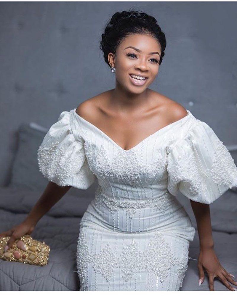 Plus size african wedding dresses  Stunning Vintage Neckline  Plus Size Wedding Dress  PlusPerfekt