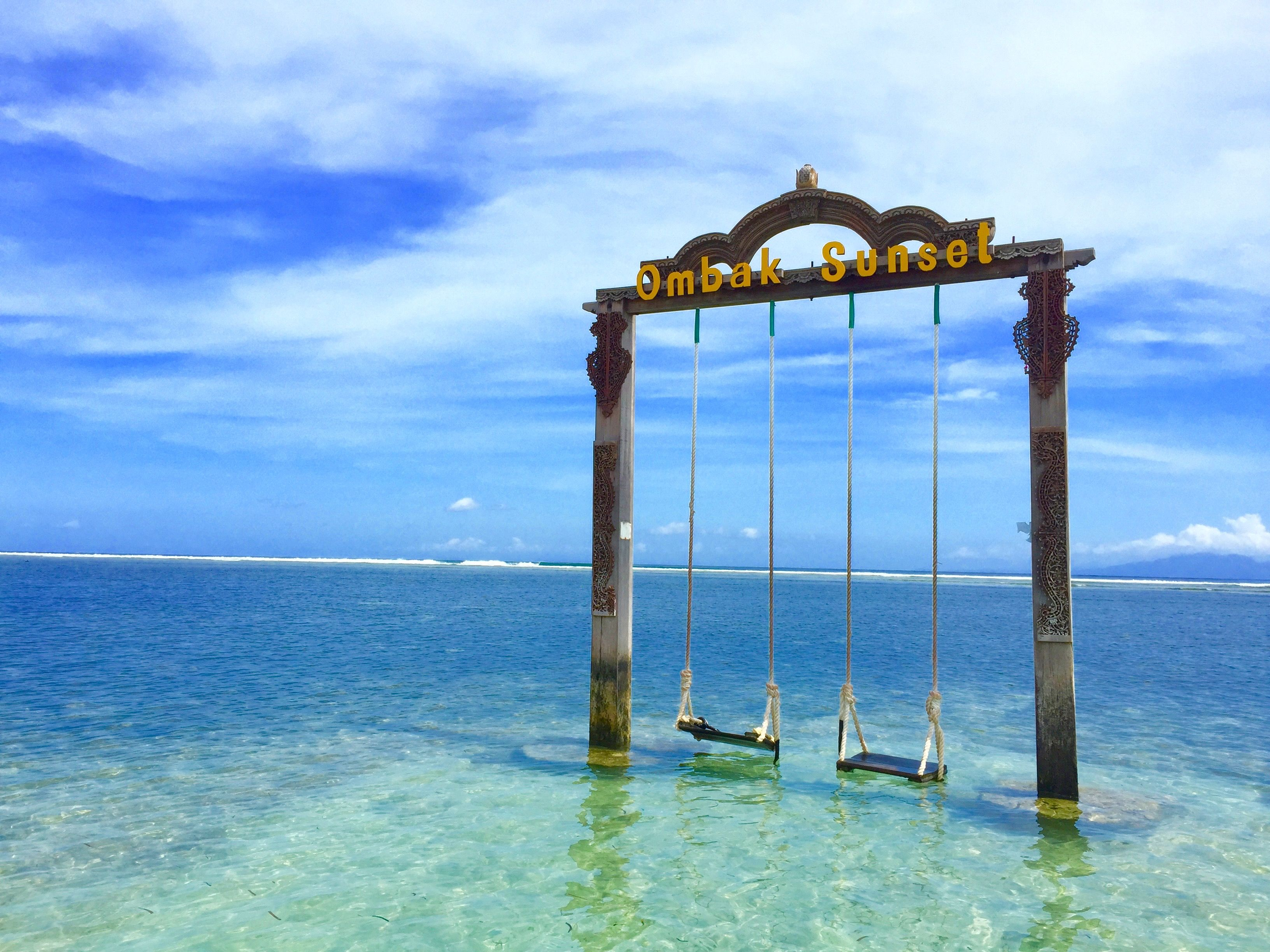 Ombak Sunset Hotel, Indonesia l Ombak Sunset Swing Gili Trawangan Lombok Indonesia