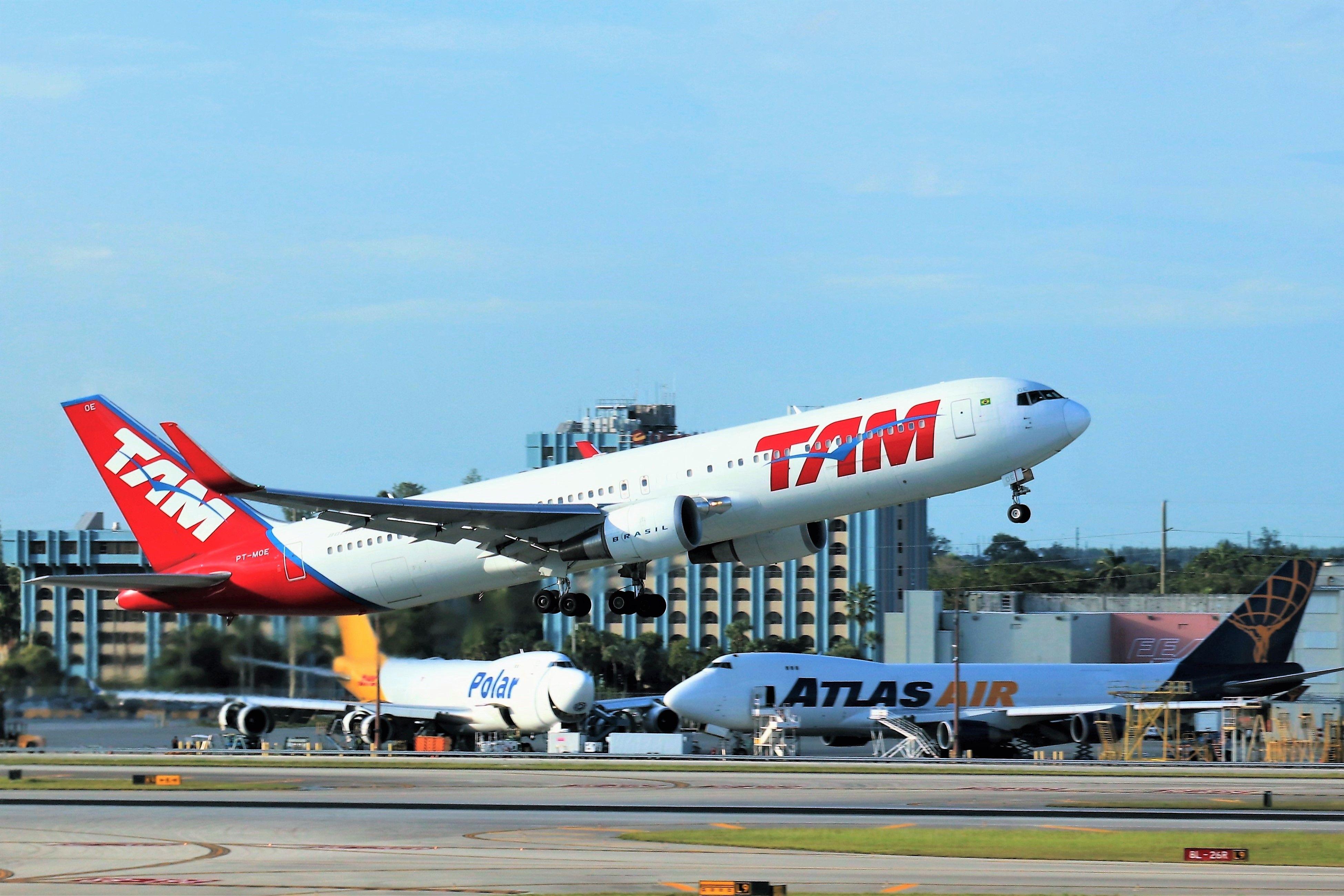 LATAM Airlines Brasil 767 in 2020 Passenger jet