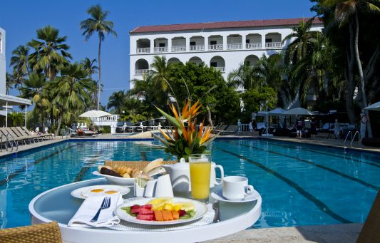 Lunch will have to wait. The pool at Hotel Caribe is too good to leave.  http://bit.ly/1EmyO61