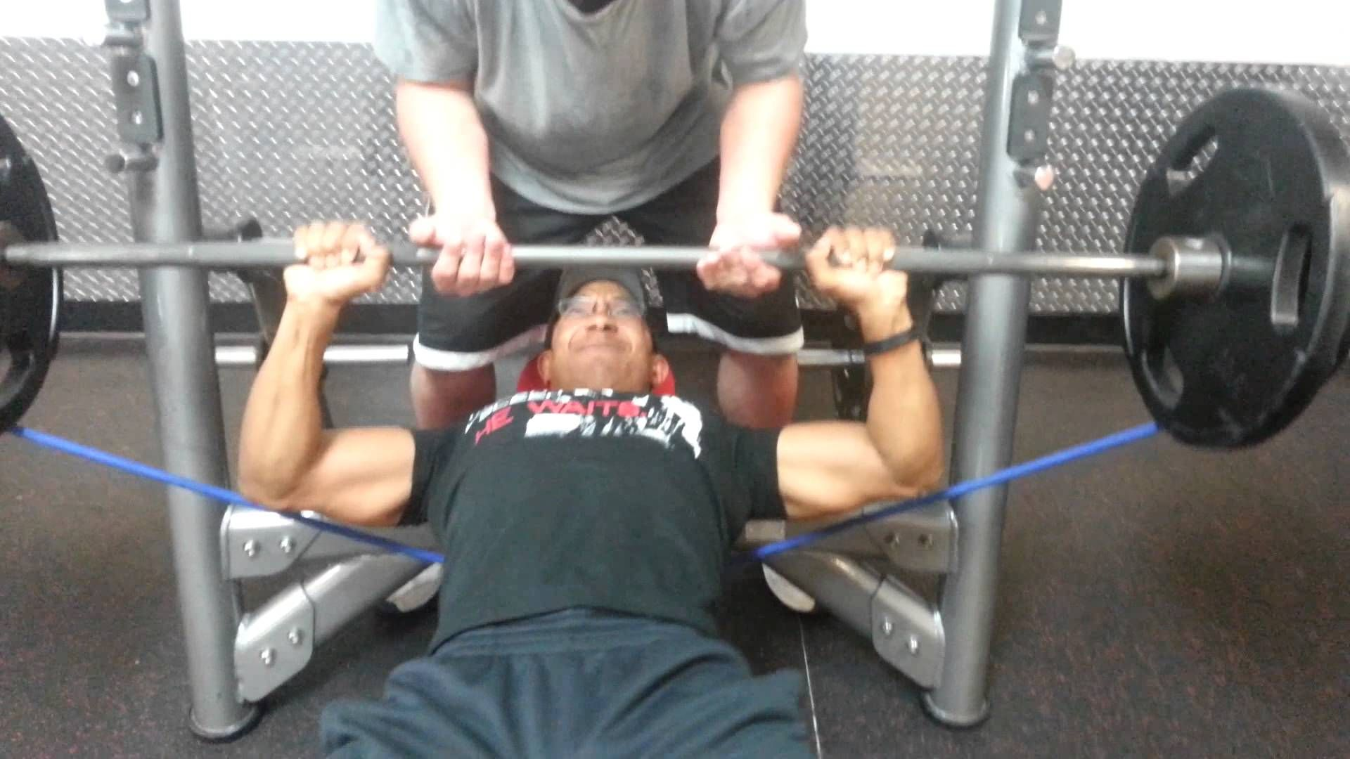Bench Press With The Resistance Heavy Band Provides A Unique Form Of Stimulus On The Muscles Bench Press Resistance Band Fitness Inspiration