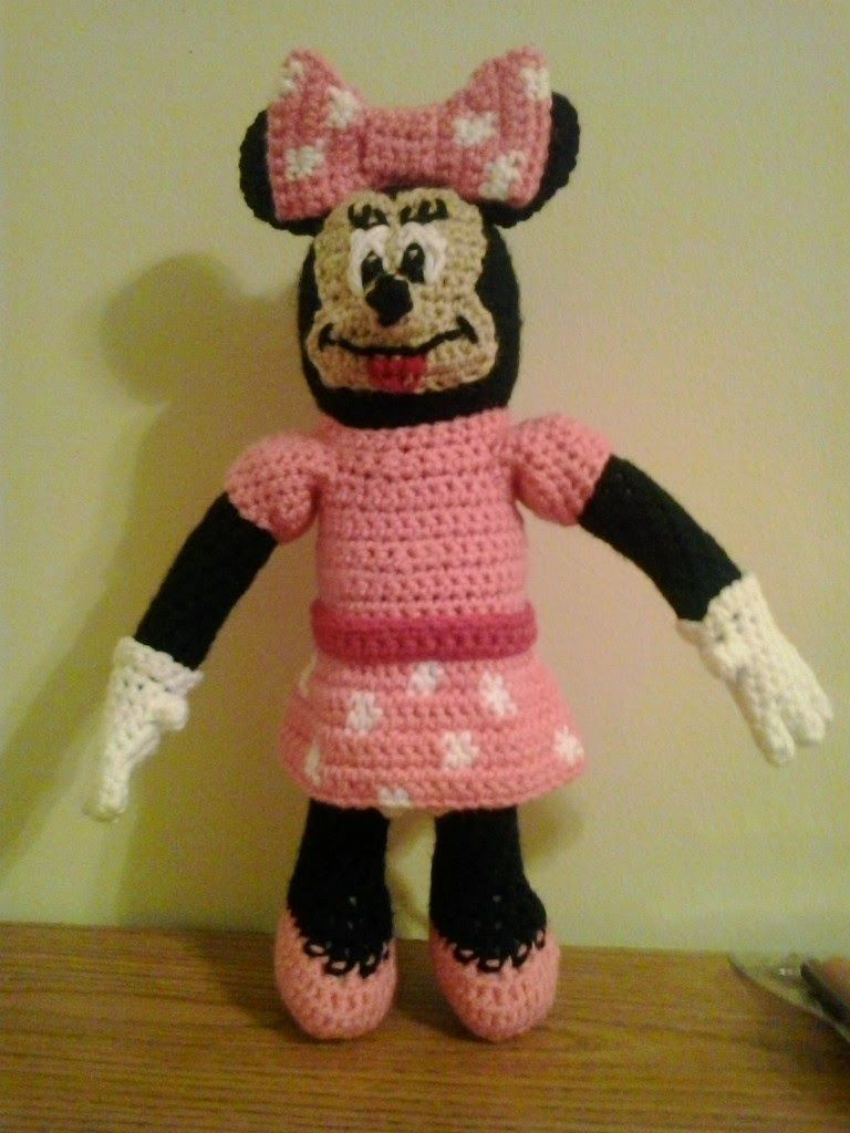 Crochet Fanatic: MINNIE MOUSE | Crochet--Dolls--Clothes--Animals ...